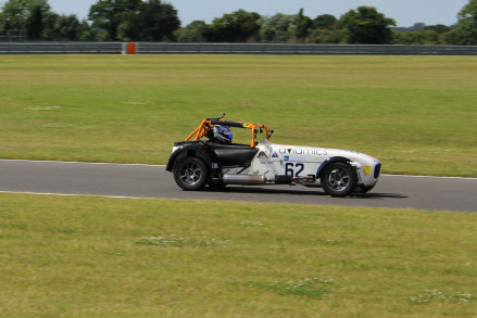 ben-tuck-snetterton-2016-on-track
